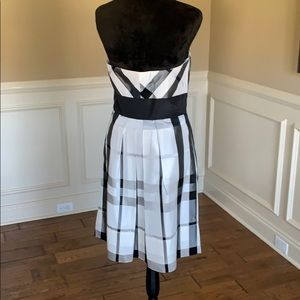 White House Black Market Dresses - WHBM Strapless Plaid Patterned Dress NWOT